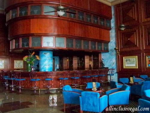 Riu Palace Las Americas lobby bar