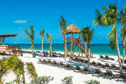 Royalton Riviera Cancun beach