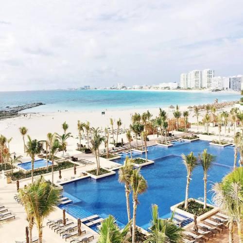 Hyatt Ziva Cancun club and premium tower pool