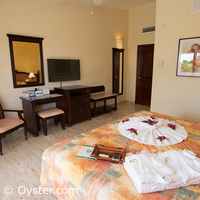 Grand Palladium Riviera suite bedroom