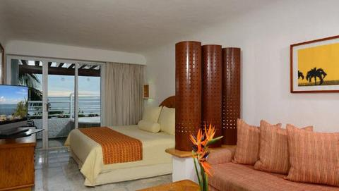 Sunset Marina Resort and Yacht Club guest room