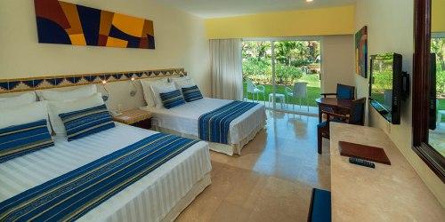 Viva Wyndham Azteca guest room