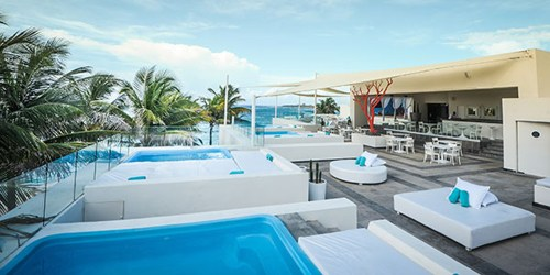 Grand Oasis Tulum Cafe del Mar rooftop pools