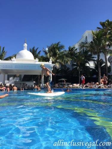 Riu Palace Las Americas pool games