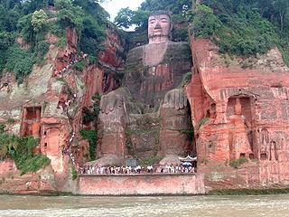 320px-Leshan_Buddha_Statue_View