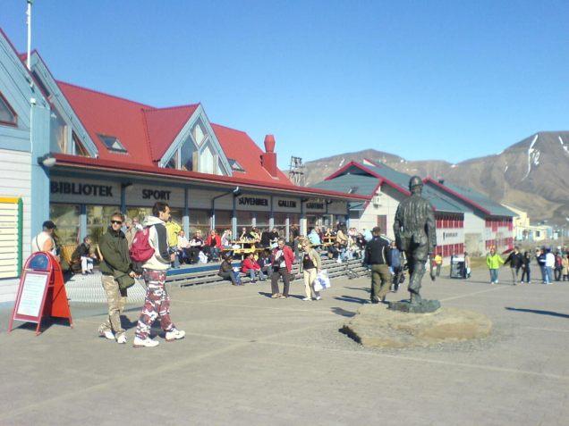 Longyearbyen_main_street