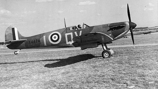 512px-aircraft_of_the_royal_air_force_1939-1945-_supermarine_spitfire._ch1451.jpg
