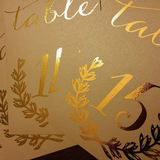 Everything looks beautiful with gold foil! #allintheinvite #goldfoilinvitations #luxurywedding