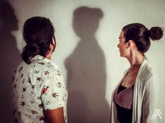 ...και οι δύο με τη σκιά τους...