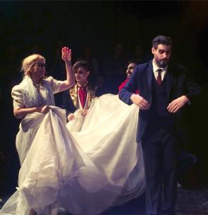 Ένας γάμος....