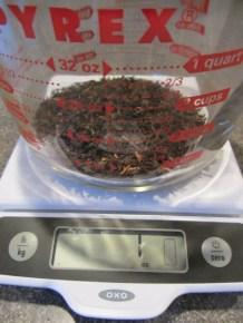 A full ounce of loose leaf tea is used to make Alton's iced tea.