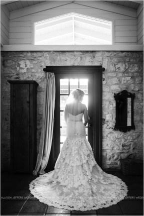 cranberry-fall-wedding-at-hoffman-haus-in-fredericksburg-texas-wedding-photos_0011