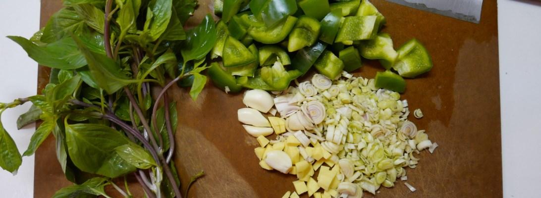 basilic Thaï, Gingembre, Ail, Citronnelle poivrons vert