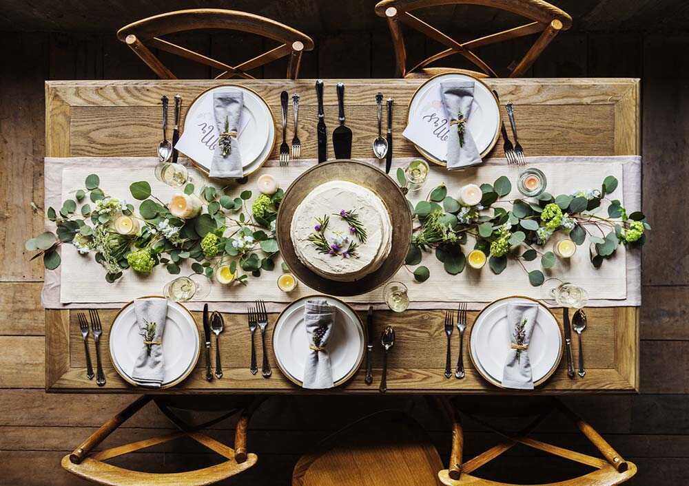 12 Inspiring Thanksgiving Tablescapes