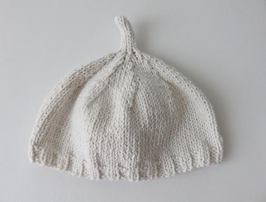 14.Duo de bonnets pour bébé