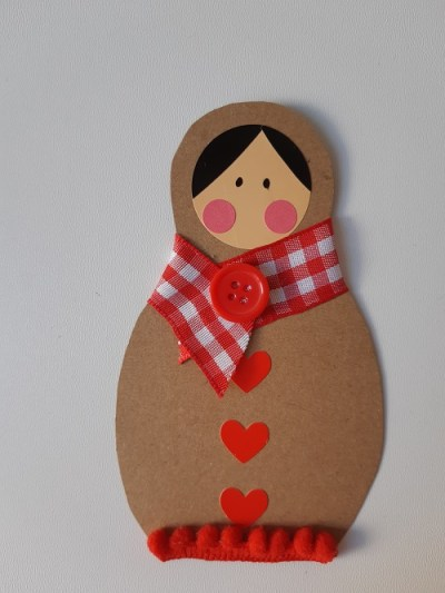 10.DIY paper matriochkas