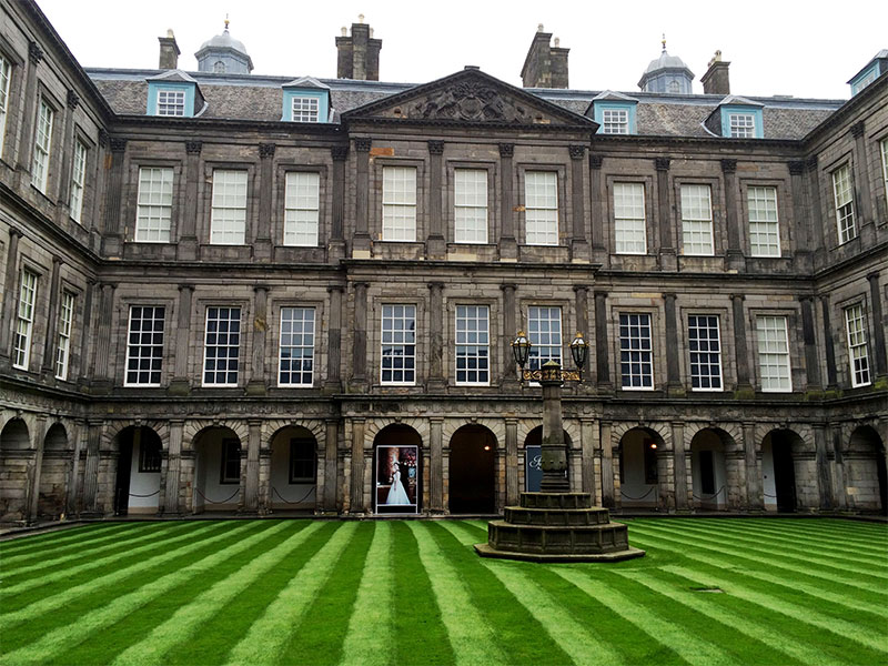 Innenhof von Palace of Holyroodhouse