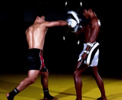 対角コンビネーション・蹴りからパンチへ【テクニック】