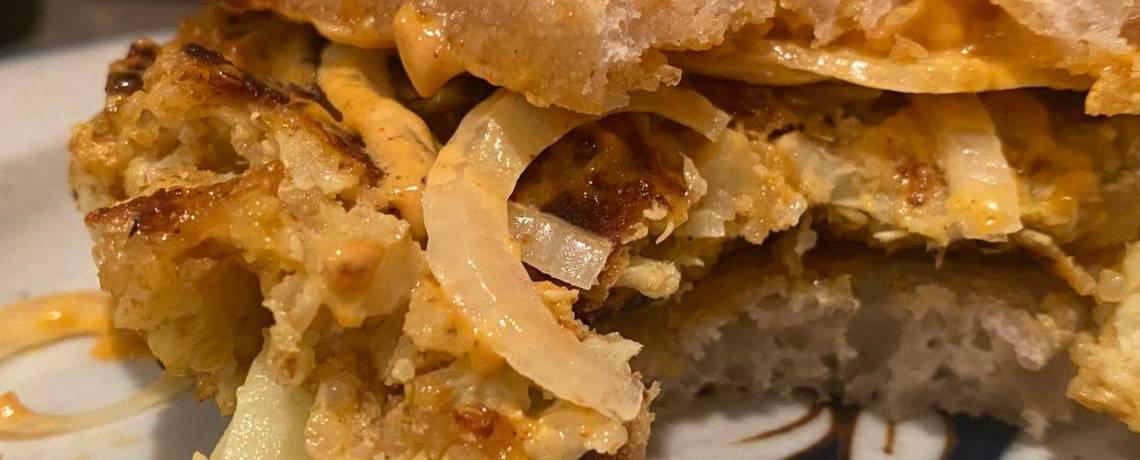 Seasoned cauliflower & quinoa burgers