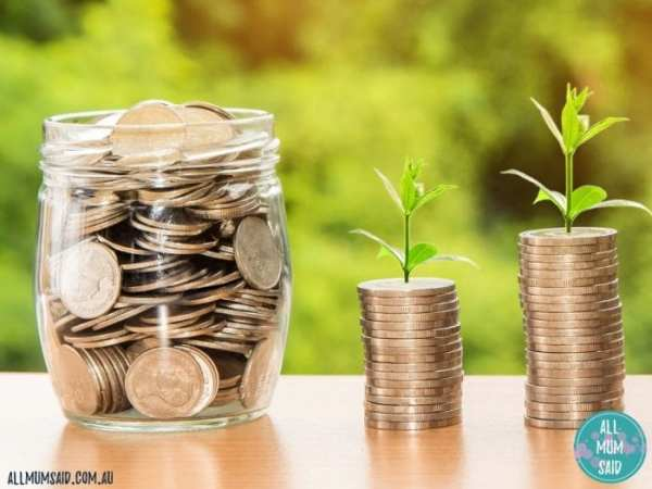 money in jar - tips to have profitable small business