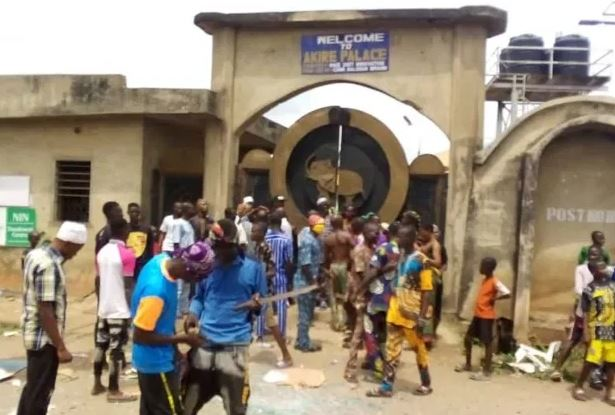 Osun monarch, Oba Olatunde Falabi chased out of palace by mob