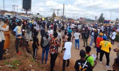 EndSARS protesters shut Ile-Ife roads