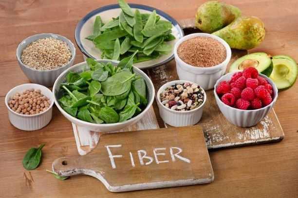 أغذية غنية بالألياف تساعد في علاج القولون