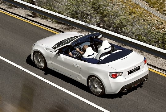 2021 Toyota GT-86 Convertible test drive