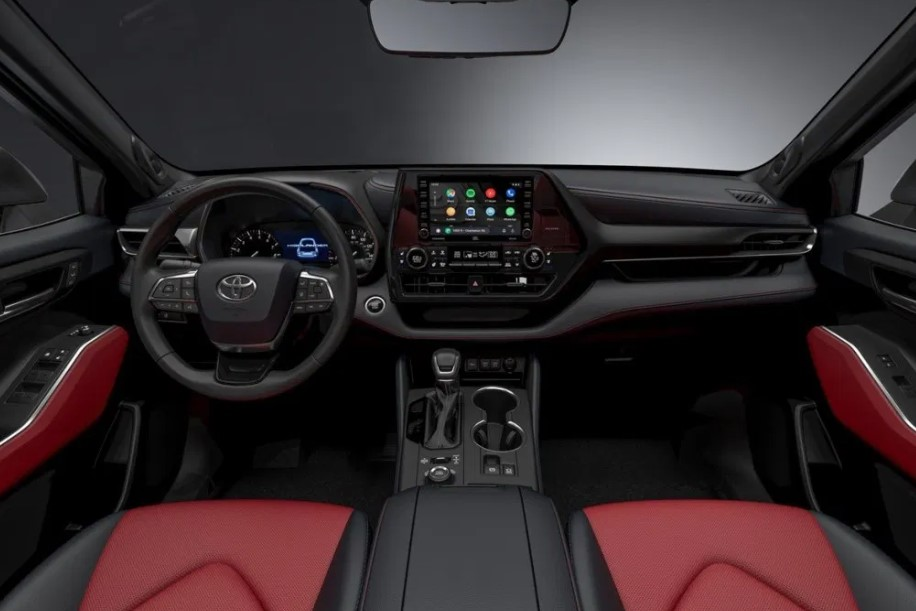 2021 Toyota Highlander Hybrid with new interior design