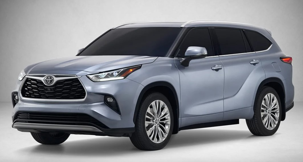 2021 Toyota Kluger with new exterior design