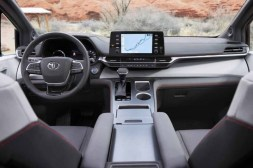 2021 Toyota Sienna XLE Dashboard and Infotainment features