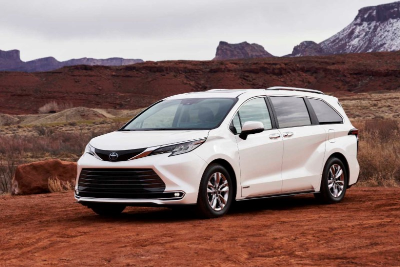 2021 Toyota Sienna XLE with new exterior design