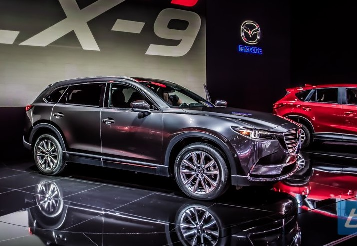 2022 Mazda CX-9 with new concept