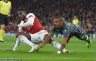 Europa League: Arsenal striker Welbeck suffers serious injury in goalless draw with Sporting + All Results for Thursday