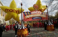 New York revellers and celebs brave cold for Thanksgiving parade