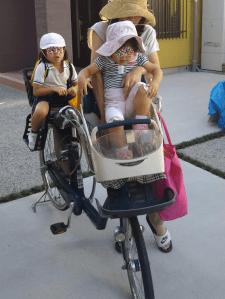 子供乗せ自転車は前に載せる時結構重い