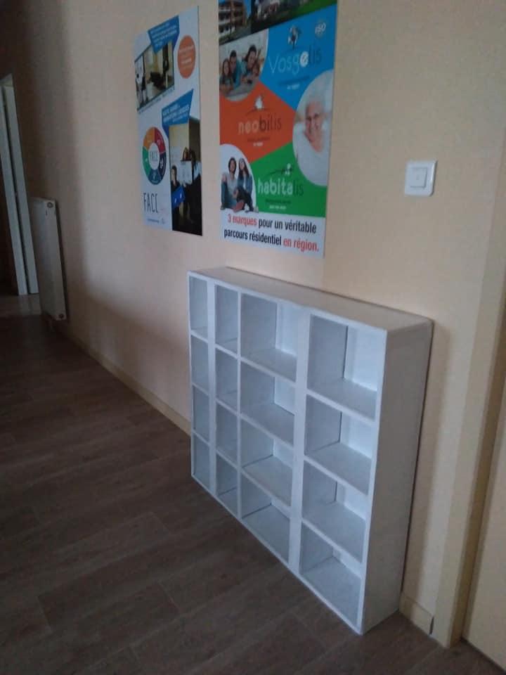 Dans mon dernier chantier de meuble en carton, j'avais tout préparé à l'avance, et, j'ai monté sur place. Le déménagement était alors plus facile