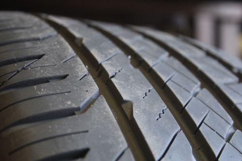 Set-of-four-Goodyear-Eagle-F1-Asymmetric-24540R20-95V-Tires-2454020-283228476711-5-1.jpg
