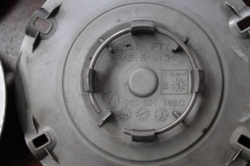 Volkswagen-EOS-2007-2011-Set-of-4-OEM-Center-Cap-69838-282997909992-4-1.jpg