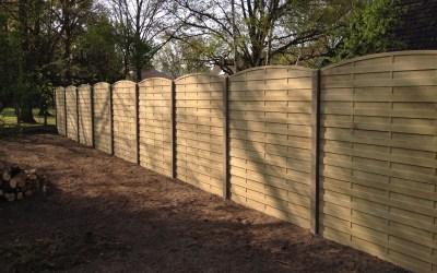 Création d'une clôture béton imitation bois