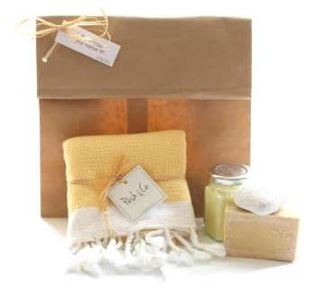 coffret-douceur-joli-cadeaux-original-fete-des-meres-petit-pesh-jaune
