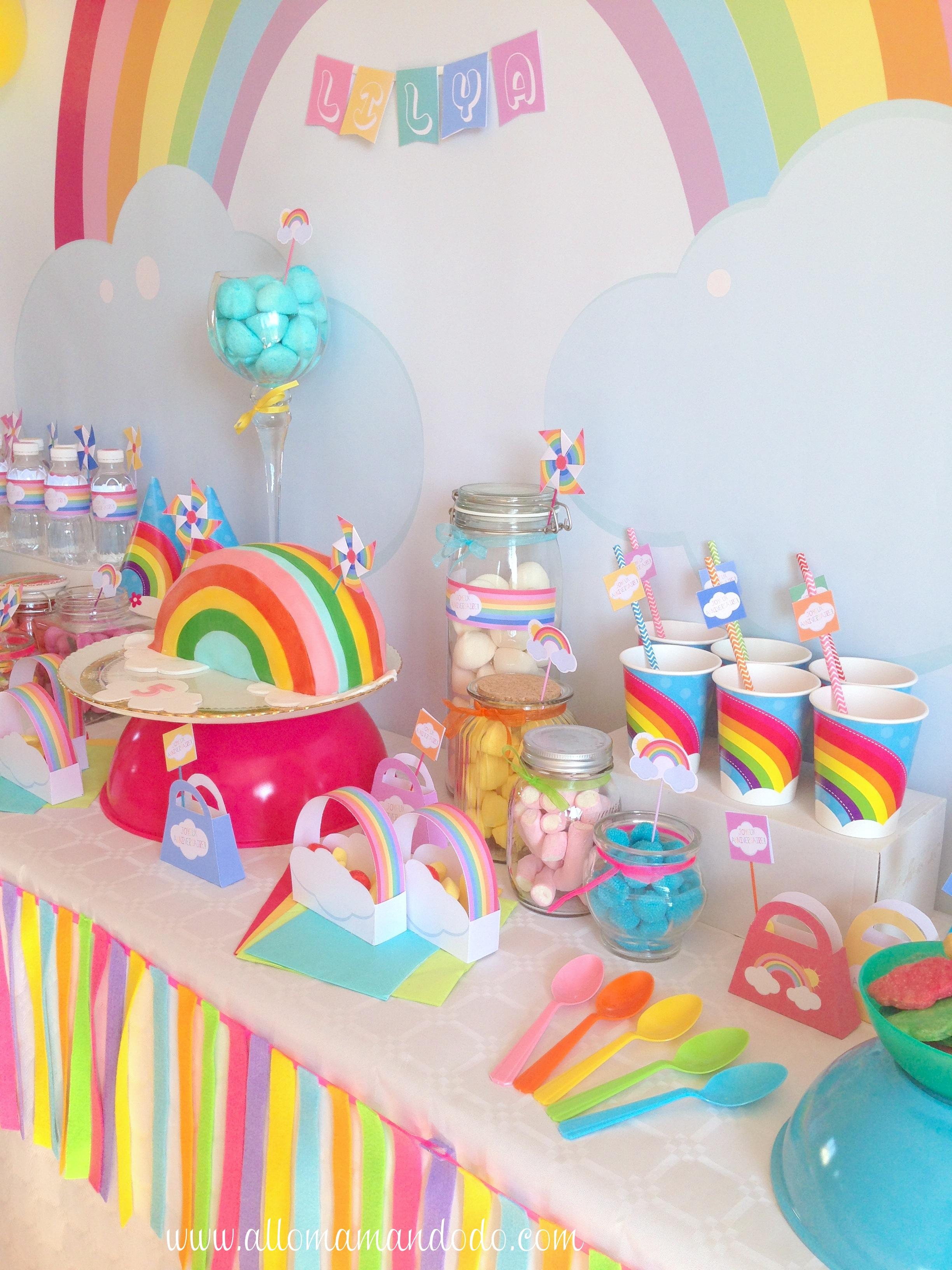 La Sweet Table Deco D Anniversaire Arc En Ciel Les Photos Allo