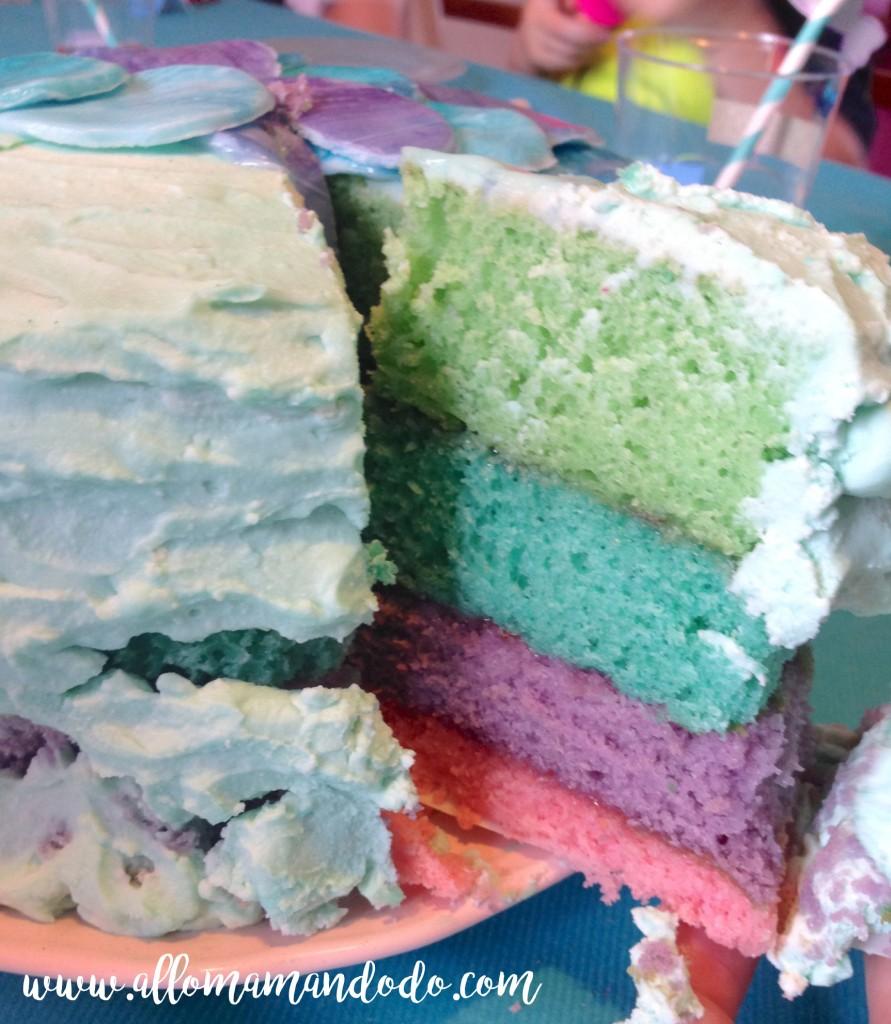 gateau anniversaire 4 couleurs