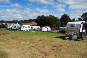 Waratah Campground towards the Lake