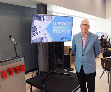 ren-upstart-startup-1776-2019