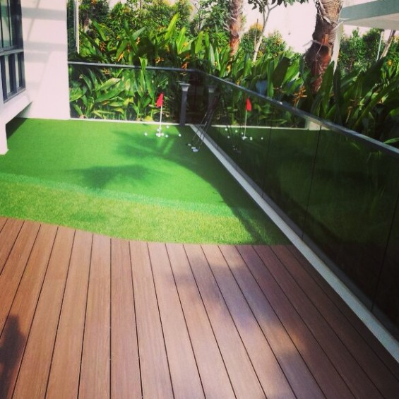 balcony putting green 1