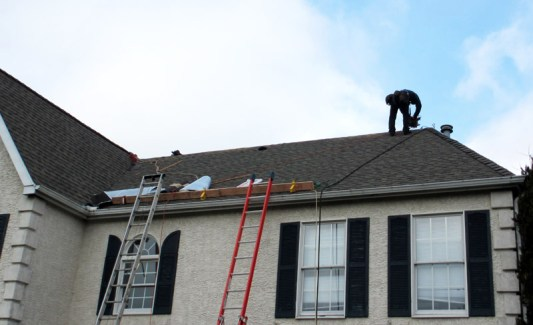 Protecting Roof & Gutters From Ice & Snow Damage