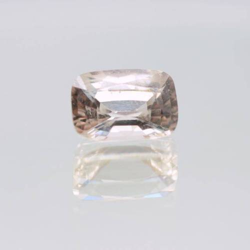 Unheated Peach Variety - sapphire Color- Peachchampagne Measurements in mm-9.78x6.79x4.55 Weight in carats-2.74 Clarity (type 2) - eye clean (VVS) Shape -oval Treatments -NON(sapphire