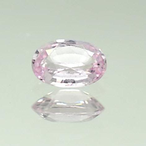 loose oval peach sapphire