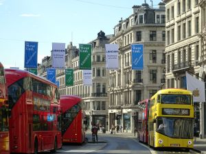 Your Guide to Signages and Banners for Your Building